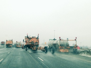 As freezing rain hits, salt trucks take over a stretch of Highway 401 near Windsor, Ont. on Tuesday, March 3, 3015. (Sacha Long / CTV Windsor)