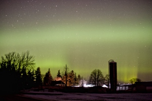 The northern lights can be seen near the Elginfield Observatory,  south of Lucan, Ont., on Tuesday, March 17, 2015. (Joe O'Neil)