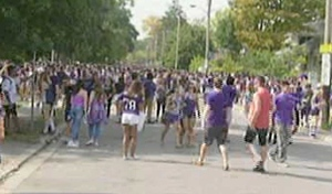Crowds gather on Broughdale Avenue for Western University Homecoming in London, Ont. on Saturday, Sept. 26, 2015. (Gerry Dewan / CTV London)
