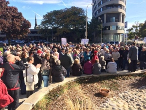 A rally is held in Sarnia, Ont. on Friday, Oct. 28, 2016 in support of Mayor Mike Bradley.
