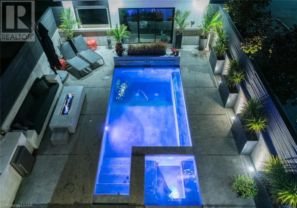 200 Cromwell Street London backyard oasis