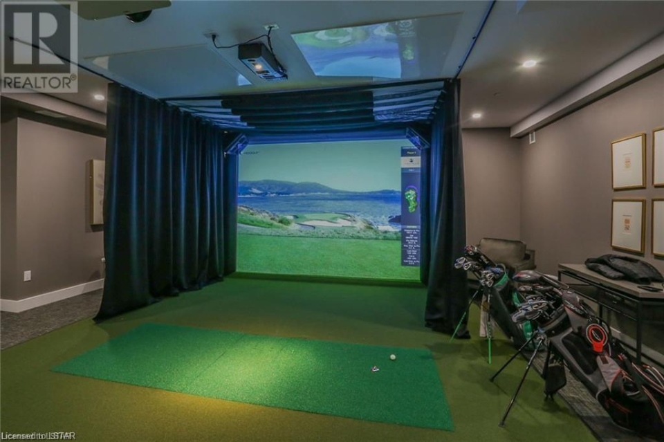 1200 Commissioners Rd. West Golf Room