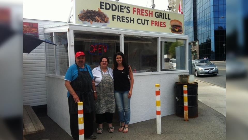 Eddie, Maha, dan Olinda Manuel