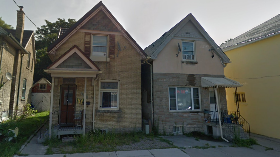 686-688 Adelaide St. North
